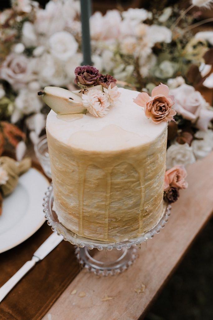 fall pear wedding cake